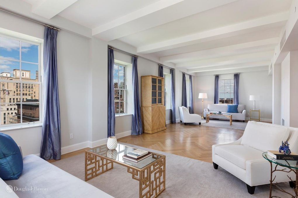 Sophisticated And Elegant Duplex Penthouse Suite. Equipped With 10 Rooms  And Private Outdoor Swimming Pool And Hot Tub.