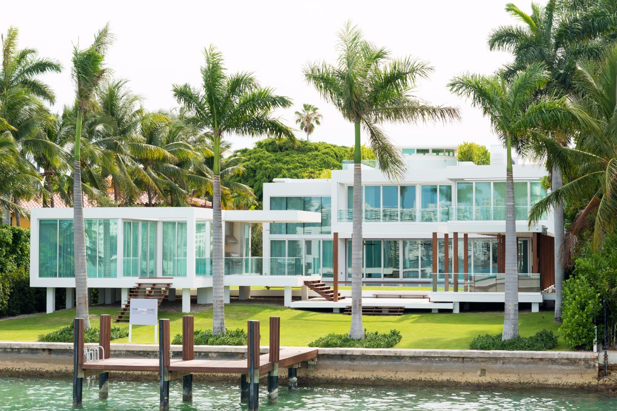 20 incredible houses for sale in miami propertyspark for Best houses in miami